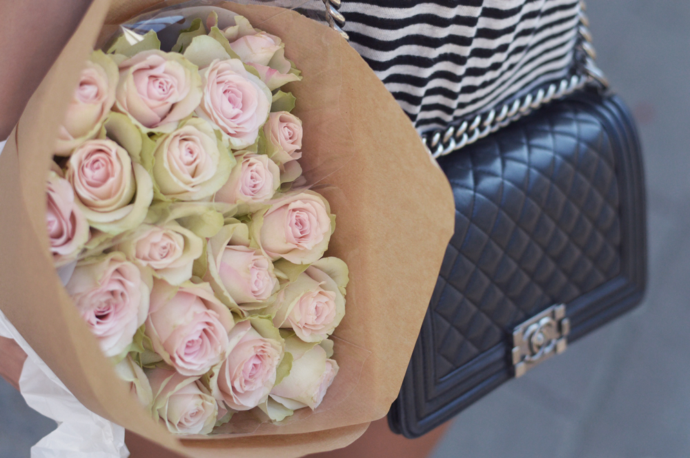 chanel-boy-bag-roses
